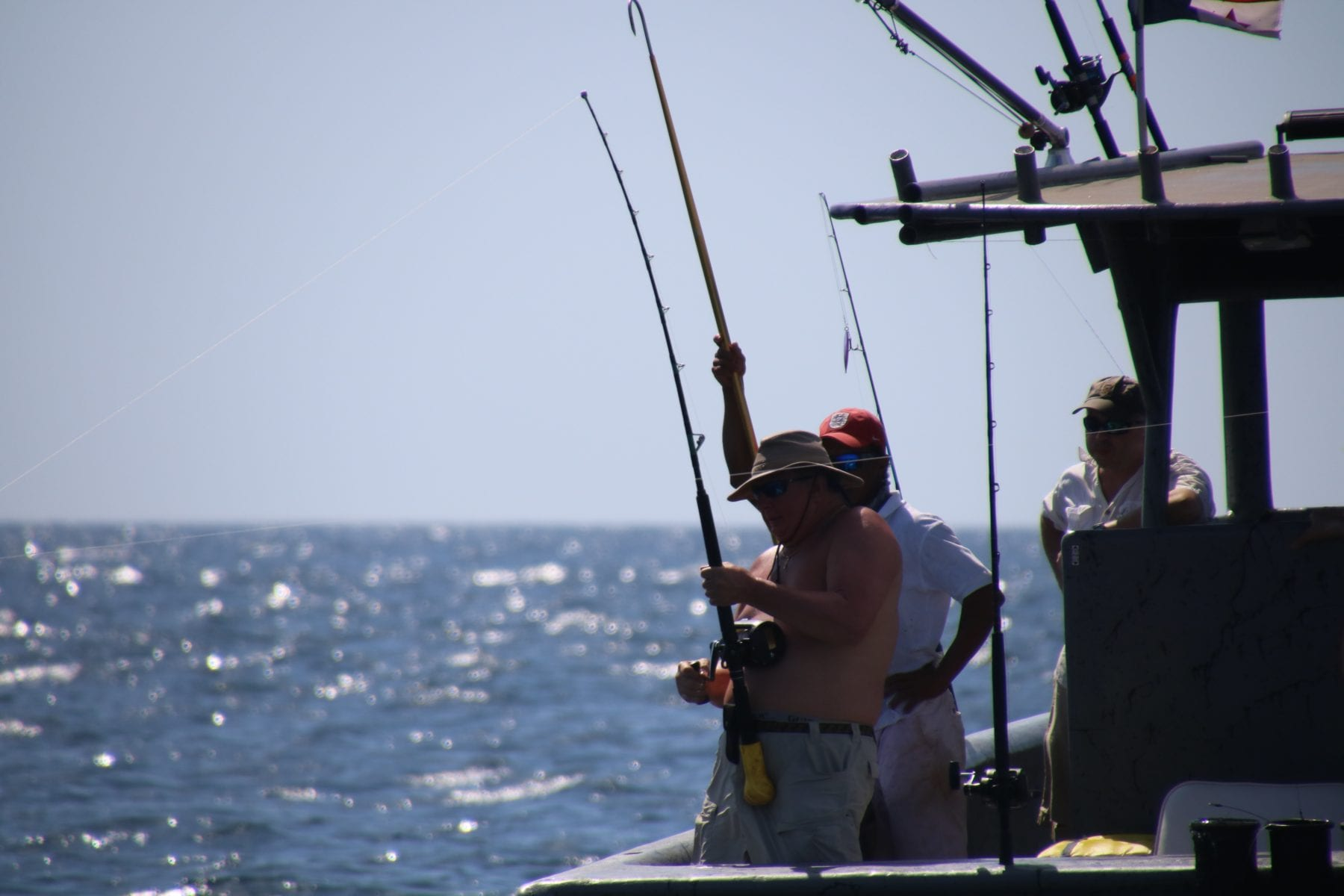 anglers fishing on the magoo in Panama